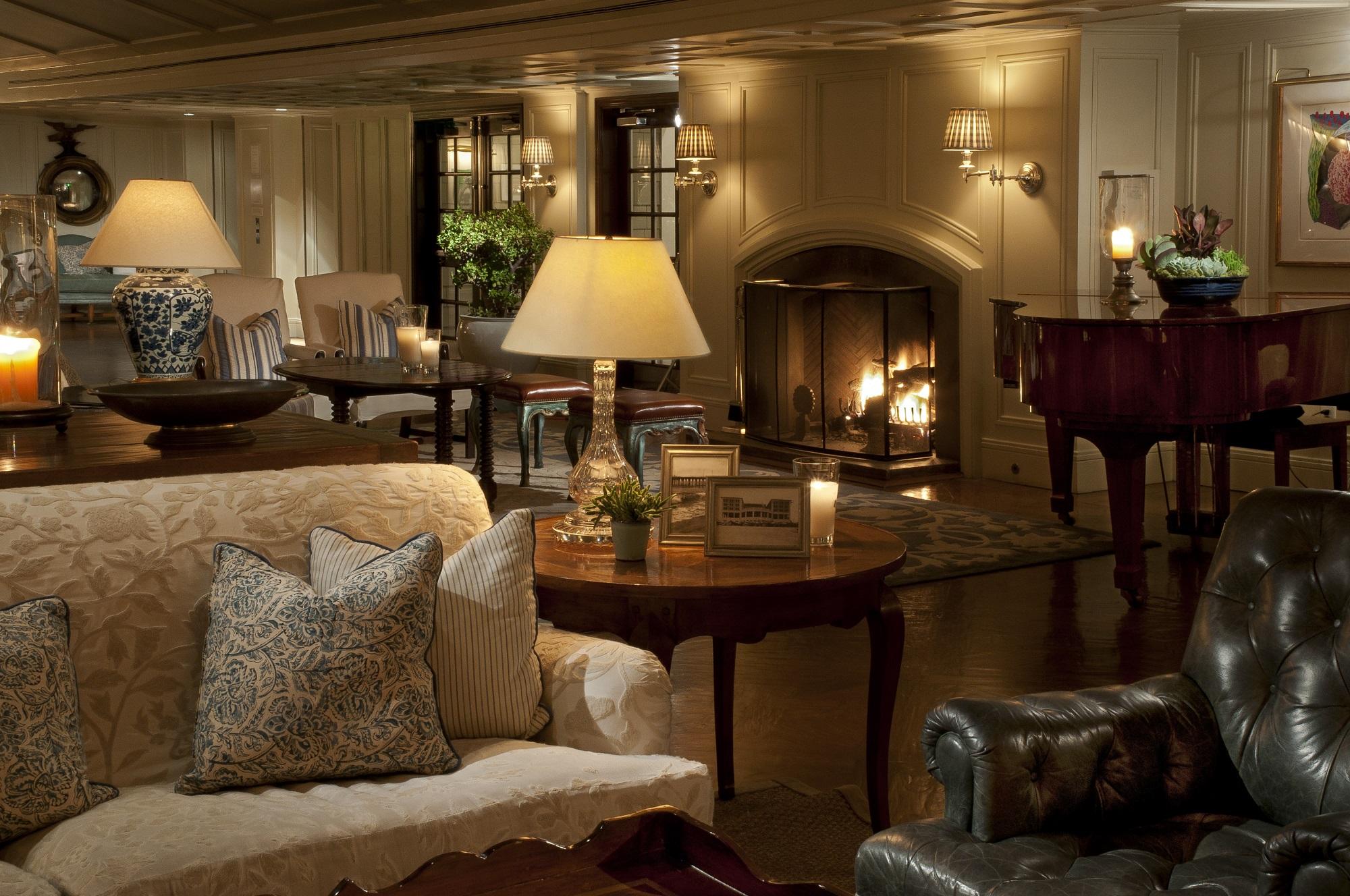 shutters-on-the-beach-santa-monica-lobby-fireplacelo